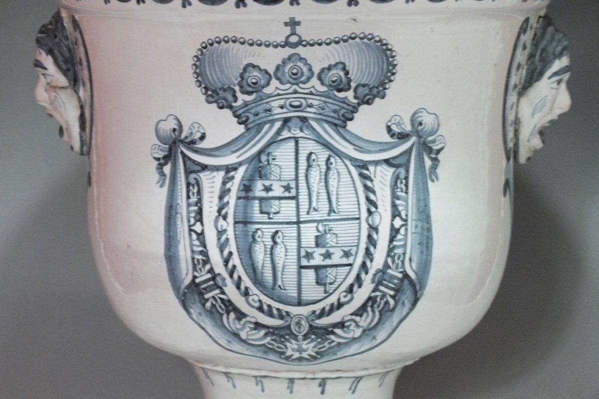 Nevers vase de jardin m dicis aux armes des ducs de for Jardin xviiie siecle