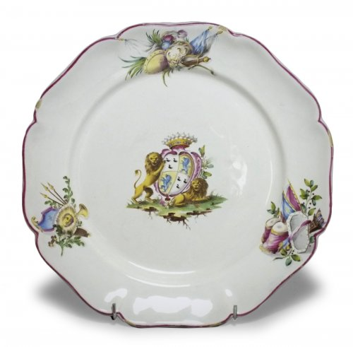 Meillonnas - Plate decorated with coats of arms - eighteenth century