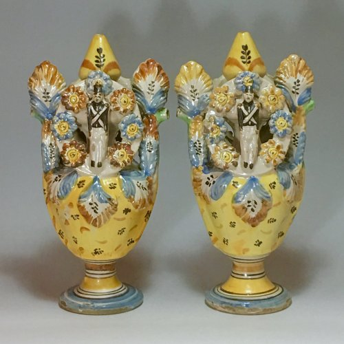 Porcelain & Faience  - Pair of vases - Ariano Irpino (Italy) circa 1800