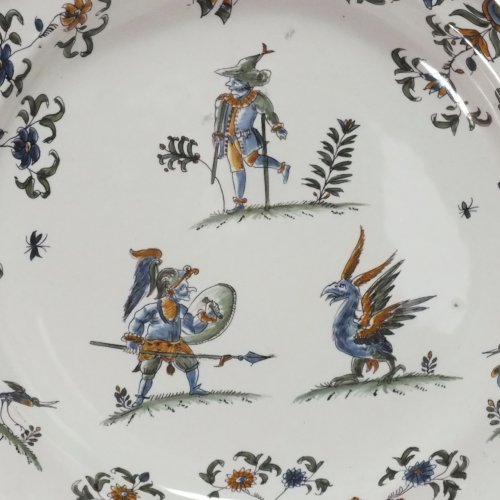 18th century Moustiers plate - Porcelain & Faience Style Louis XV