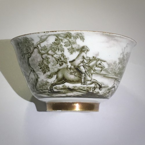 18th century - Cup and saucer with hausmaler decor in grisaille - Meissen 18thcentury