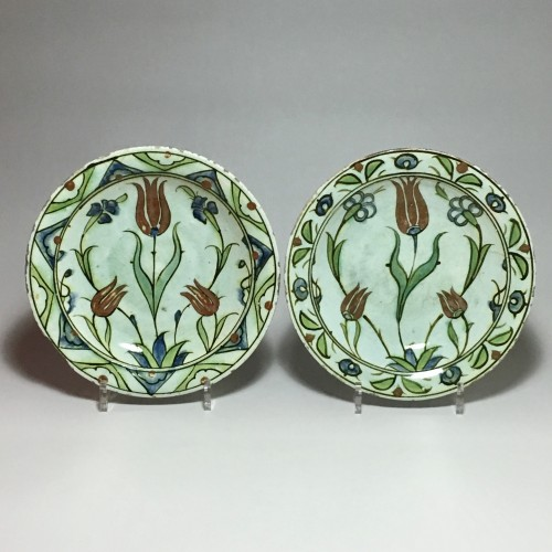 Pair of dishes Iznik 17th century - Porcelain & Faience Style Louis XIII