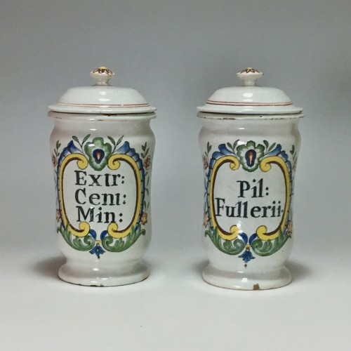 Louis XV -  Pair of small pharmacy jars - Rouen Eighteenth century