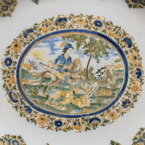 Porcelain & Faience  -  Small dish decorated with a hunting scene - Moustiers 18th century
