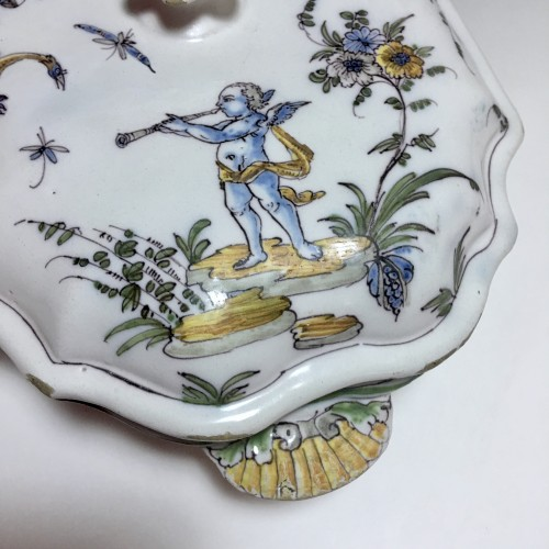 Terrine earthenware Lyon - Pierre Mongis period - eighteenth century - Louis XV