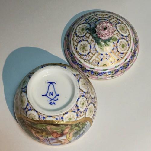 Hébert sugar pot in soft Sèvres porcelain from the eighteenth century  - Louis XV