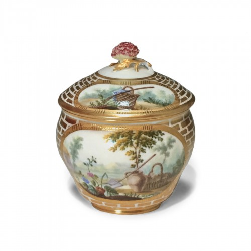 Sugar Pot Hébert in soft porcelain of the eighteenth century Sèvres - 1770