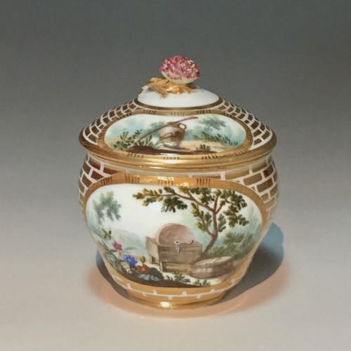 Porcelain & Faience  - Sugar Pot Hébert in soft porcelain of the eighteenth century Sèvres - 1770