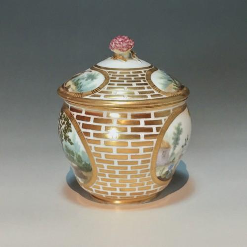 Sugar Pot Hébert in soft porcelain of the eighteenth century Sèvres - 1770 -