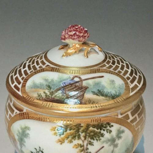 Antiquités - Sugar Pot Hébert in soft porcelain of the eighteenth century Sèvres - 1770