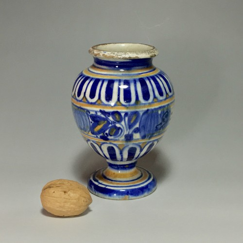 Porcelain & Faience  - Pill pot in Majolica of Lyon - End of the sixteenth century