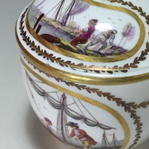 Antiquités - 18th century Sèvres Sugar pot with port scene decoration