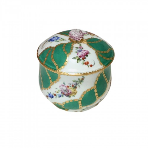 Sugar pot in porcelain of Vincennes - Sèvres - Eighteenth century