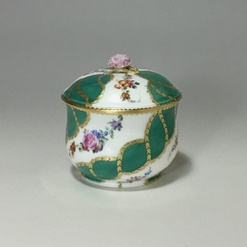 Porcelain & Faience  - Sugar pot in porcelain of Vincennes - Sèvres - Eighteenth century