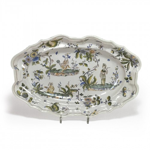 Large faience dish of Milan, Eighteenth Century