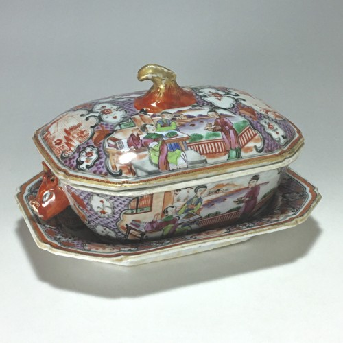 China - India Company - Small terrine and its display unit - Qianlong perio - Porcelain & Faience Style Louis XVI