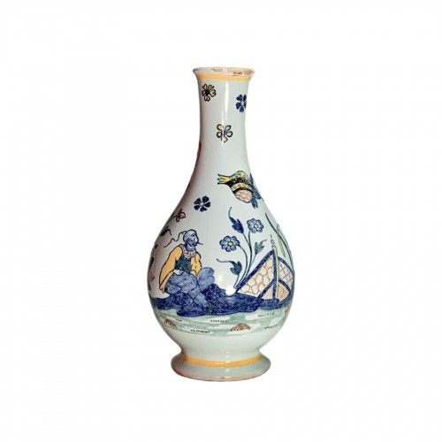 18th century Sinceny earthenware - Vase with Chinese decor