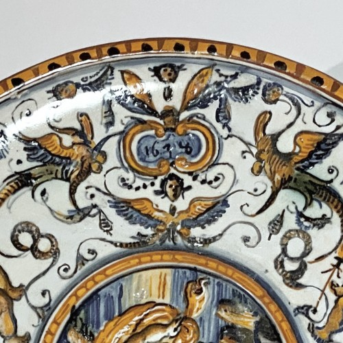 Porcelain & Faience  - Pedestal cup in Urbino majolica - Patanazzi workshop - Dated 1638