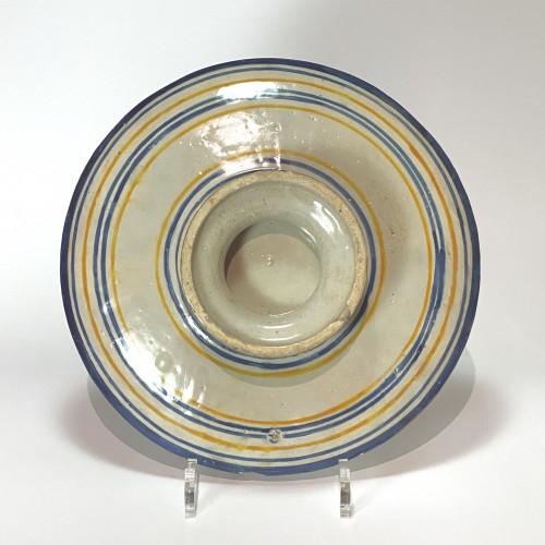 Pedestal cup in Urbino majolica - Patanazzi workshop - Dated 1638 -