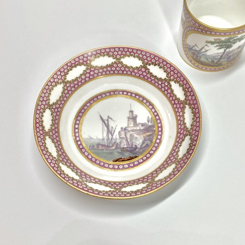 Sèvres - Cup and saucer decorated with maritime scenes - Eighteenth century - Porcelain & Faience Style Louis XVI