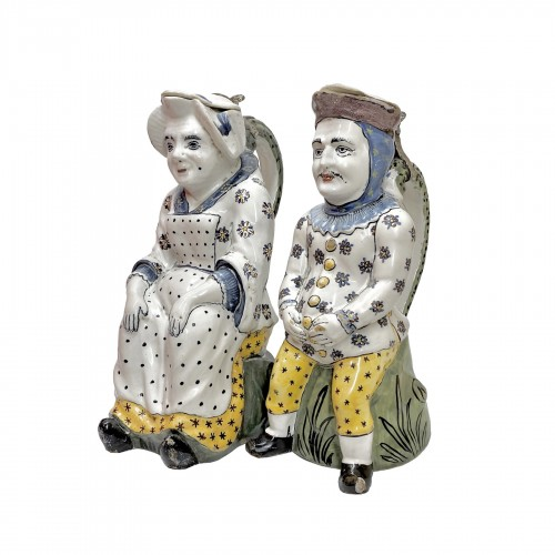 "Lille - Pair of ""Jacquot et Jacqueline"" pitchers - Eighteenth century"