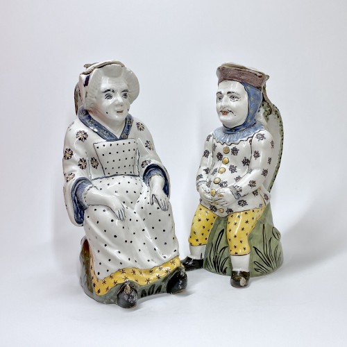 "Lille - Pair of ""Jacquot et Jacqueline"" pitchers - Eighteenth century - Porcelain & Faience Style Louis XV"