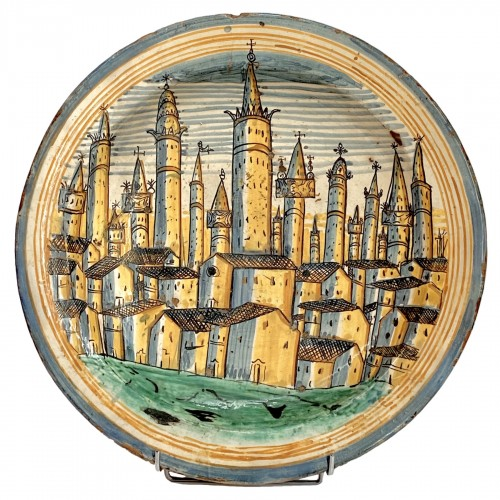 Large dish depicting the town of San Gimignano - Montelupo 17th century