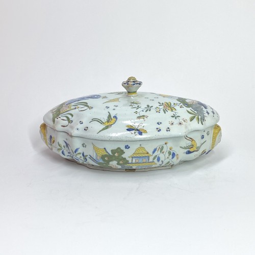 Chinese decoration tureen - Sinceny 18th century - Porcelain & Faience Style Louis XV