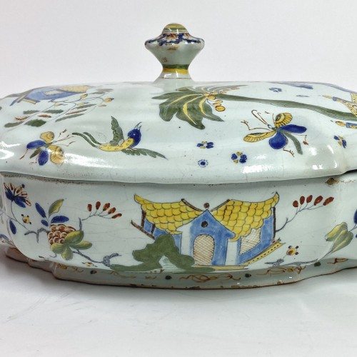 Chinese decoration tureen - Sinceny 18th century -