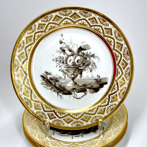 Paris - Pouyat & Russinger  Eight plates decorated in grisaille  Circa 1800 - Porcelain & Faience Style Directoire