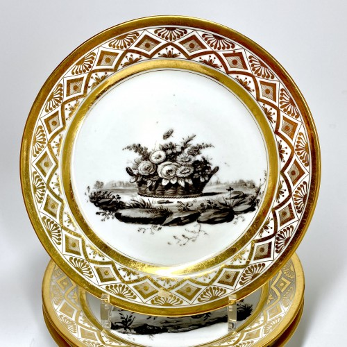 Porcelain & Faience  - Paris - Pouyat & Russinger  Eight plates decorated in grisaille  Circa 1800