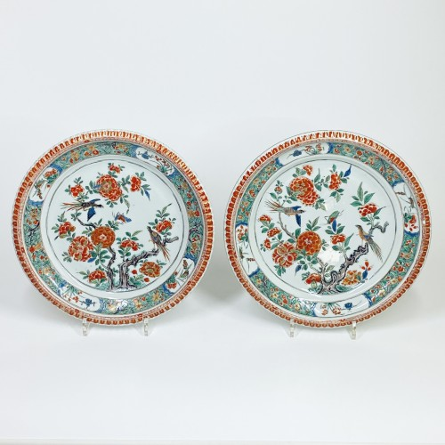 China - Pair of famille verte dishes - Kangxi period (1662-1722) - Porcelain & Faience Style Louis XIV