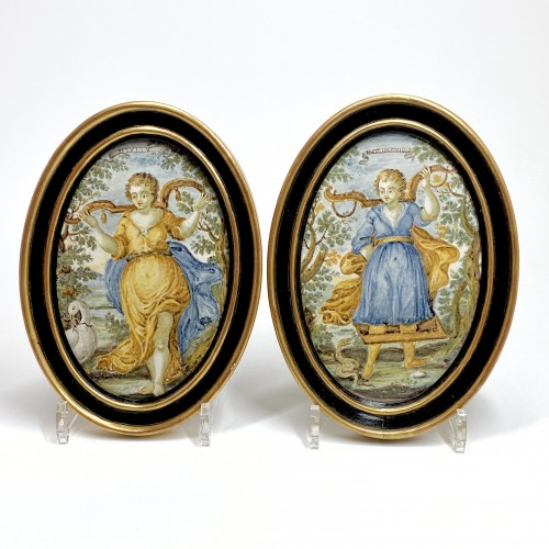 """Pair of Castelli plaques """"Marriage and Servitude"""" - Eighteenth century -"""