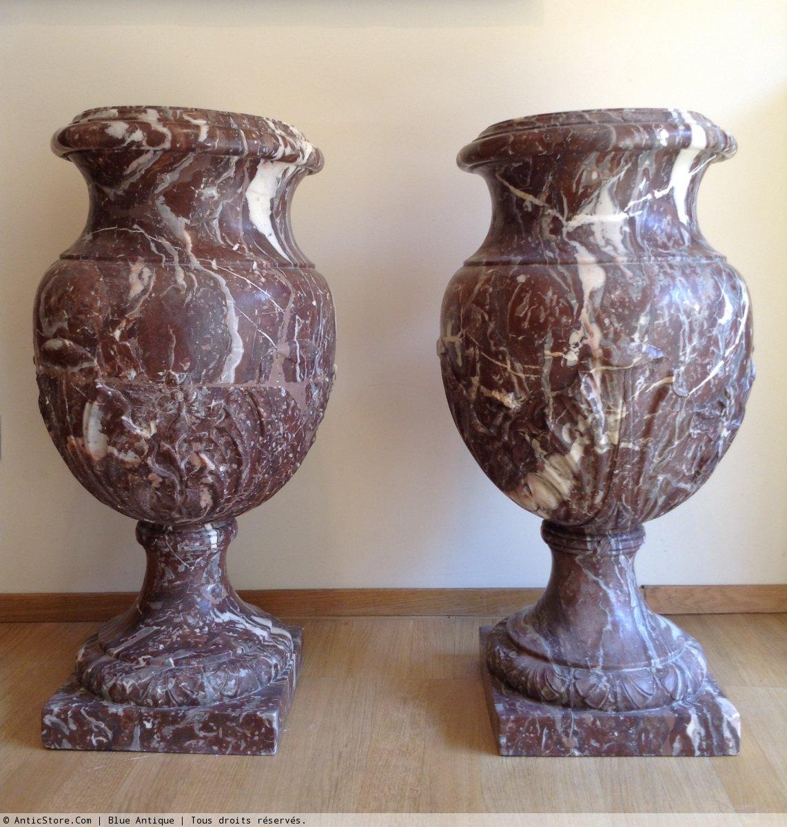 paire de grands vases en marbre xixe. Black Bedroom Furniture Sets. Home Design Ideas