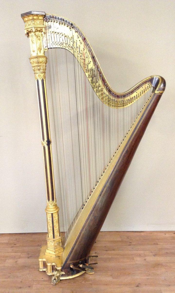 Harpe de style n o gothique de la maison erard xixe for Architecture neo gothique