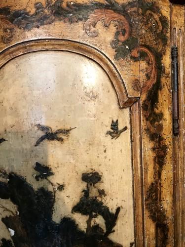 18th century - Italian corner cabinet in Arte Povera, 18th century