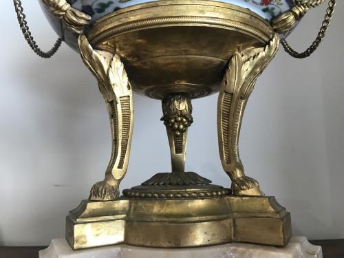 Antiquités - Pair of bronze mount imari porcelain Pots-Pourri vases