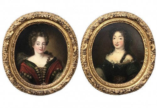 Small Pair of ladies portraits - French School of the eighteenth century