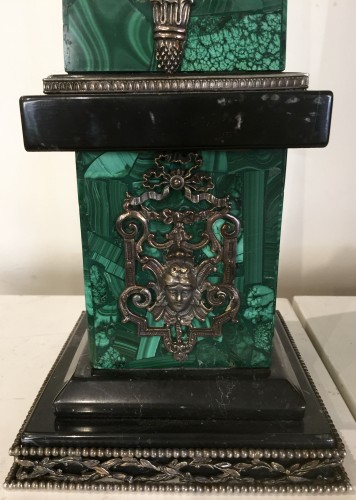 Decorative Objects  - Pair of malachite, silver and black marble obelisks