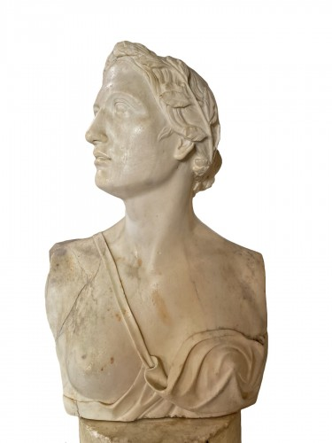 Neoclassical bust in white marble, Italy late 18th century