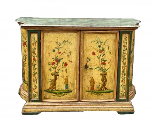 """Lacquered furniture """"aux chinois"""", Venice 18th century"""