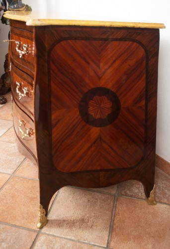 Furniture  - 18th Century Naples Three Drawer Dresser