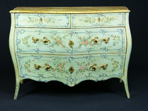 18th century - Italian 18th century Lacquered commode
