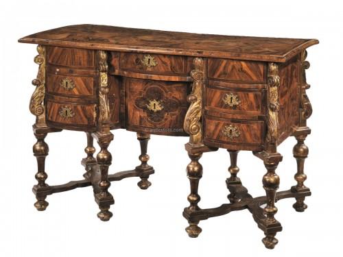 17th century North italian Mazarin desk