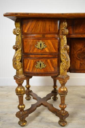 Antiquités - 17th century North italian Mazarin desk
