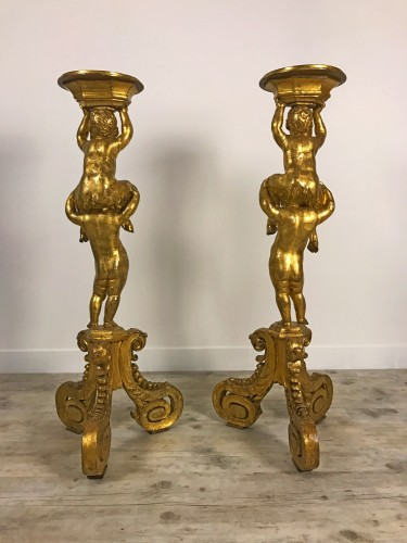 18th century - Pair of 18th century gueridons in carved and gilded wood