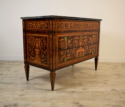 18th century - Neoclassical chest of drawers, Italy
