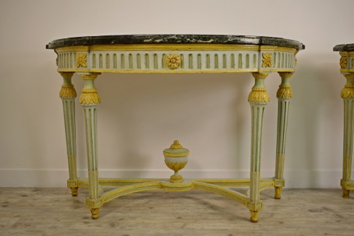 18th century - Pair of Neoclassical lacquered half-moons console table