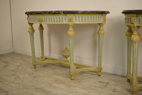 Antiquités - Pair of Neoclassical lacquered half-moons console table
