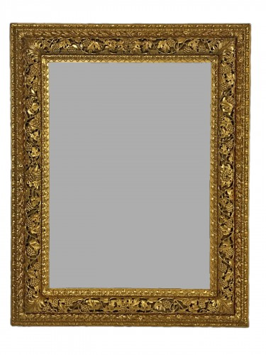 19th Century, finely carved and gilded wood venetian mirror